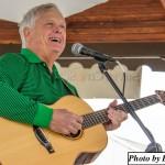 B sing guitar  Pickamania 15 Bloy